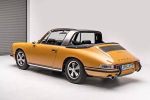 Fotos Antik Porsche Gelb Porsche 911 S 2.0 Targa Sportomatic