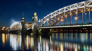 Fotos Russland Sankt Petersburg Flusse Brücken Lichtstrahl Nacht Städte