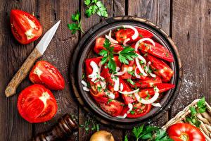 Pictures Salads Tomatoes Vegetables Boards Salt Food
