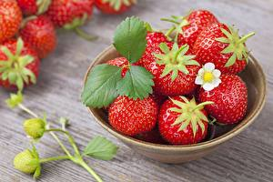 Wallpapers Strawberry Closeup