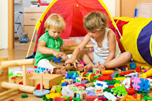 Bilder Spielzeuge Junge Zwei Kinder