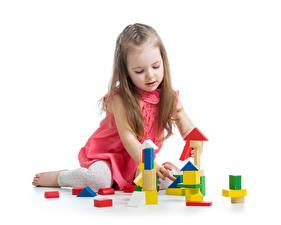 Fotos Spielzeuge Weißer hintergrund Kleine Mädchen Spielt Kinder