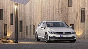 Hintergrundbilder Volkswagen Weiß 2019 Passat GTE Variant Worldwide automobil