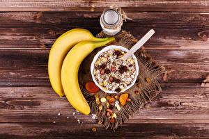 Hintergrundbilder Bananen Müsli Rosinen Bretter Frühstück Einweckglas Lebensmittel