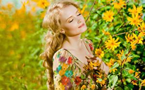Hintergrundbilder Blond Mädchen Gesicht Ast junge Frauen