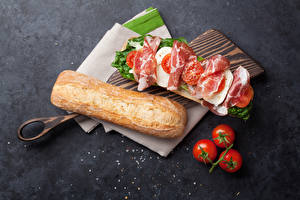Wallpapers Butterbrot Bread Ham Tomatoes Sandwich Cutting board Food