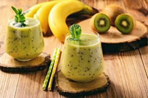 Hintergrundbilder Cocktail Kiwifrucht Bananen Bretter Trinkglas 2 Lebensmittel