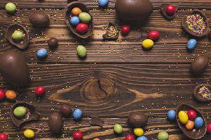Pictures Easter Chocolate Candy Sweets Boards Egg Food