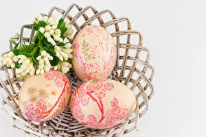 Pictures Easter Gray background Eggs Three 3 Design