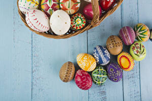 Pictures Easter Wood planks Eggs Design