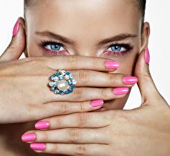 Pictures Fingers Eyes Glance Hands Manicure Girls