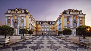 壁纸、、ドイツ、宮殿、小路、街灯、木、Augustusburg and Falkenlust Palaces、
