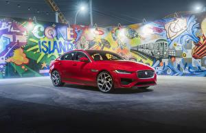 Photo Jaguar Red 2020 XE P300 R-Dynamic auto