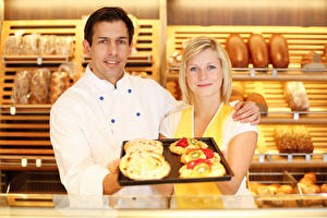 Images Man Baking Two Blonde girl Glance Girls