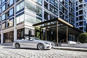Hintergrundbilder Mercedes-Benz Cabrio Silber Farbe 2018-19 S 560 Cabriolet AMG Line Autos