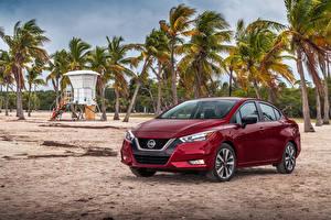Bilder Nissan Bordeauxrot 2020 Versa SR Autos