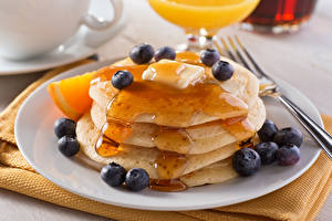 Pictures Pancake Blueberries Honey Plate Food