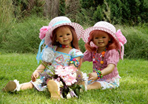 Image Parks Bouquets Doll Two Little girls Hat Grugapark Essen