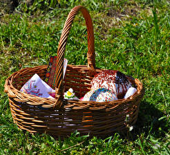 Pictures Pastry Kulich Easter Grass Wicker basket