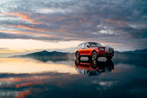 Fotos Rolls-Royce Rot 2018 Cullinan Worldwide Autos