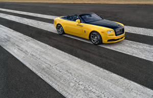 Images Rolls-Royce Yellow Cabriolet Luxury 2018 Dawn Black Badge for Benjamin Treynor Sloss automobile