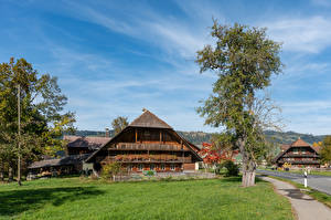Hintergrundbilder Schweiz Gebäude Bäume Emmental
