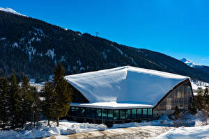Sfondi desktop Svizzera Inverno Edificio Montagna Neve Davos Città