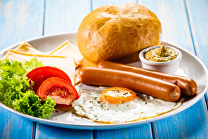 Wallpaper Vienna sausage Bread Tomatoes Vegetables Plate Breakfast Fried egg Food