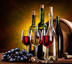 Pictures Wine Grapes Bottle Stemware Food