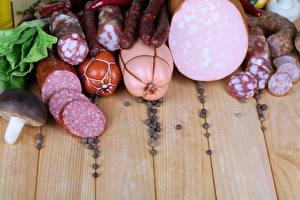 Fotos Schwarzer Pfeffer Fleischwaren Wurst Bretter das Essen
