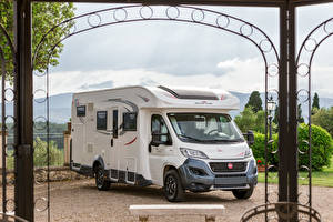 Pictures Fiat White 2019 Roller Team Zefiro 298 TL
