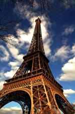 Bilder Frankreich Eiffelturm Paris Untersicht Ansicht von unten Städte