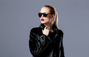 Wallpaper Gray background Brown haired Fur coat Eyeglasses Red lips Girls