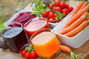 Wallpapers Juice Vegetables Tomatoes Carrots Highball glass Three 3 Food