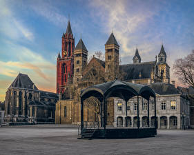 Pictures Netherlands Building Town square Maastricht Cities