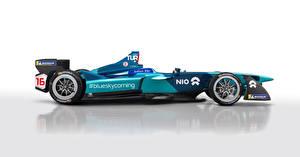 Bilder Renault Formula 1 Tuning Weißer hintergrund Seitlich 2017 NextEV NIO Sport Autos