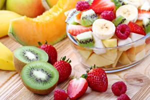 Images Salads Fruit Chinese gooseberry Strawberry Raspberry