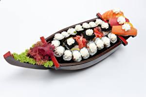 Hintergrundbilder Meeresfrüchte Sushi Gemüse Boot Weißer hintergrund das Essen
