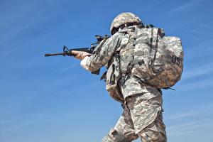 Fotos Soldaten Sturmgewehr Uniform Rucksack US Militär