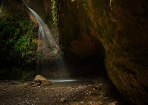 Hintergrundbilder Spanien Wasserfall Steine Höhle Laubmoose Salt Del Cargol