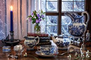 Fotos Stillleben Schneeglöckchen Pfeifkessel Kannen Bücher Tasse Zucker das Essen
