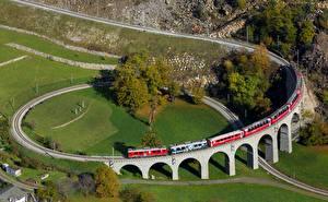 Fotos Züge Schweiz Eisenbahn Brusio spiral viaduct Natur