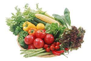 Bilder Gemüse Kukuruz Tomate Peperone Chili Pfeffer Weißer hintergrund Lebensmittel