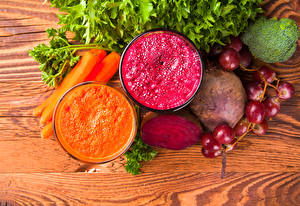 Images Vegetables Grapes Carrots Smoothie Beetroot Wood planks Two Highball glass Food