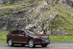 Fotos Volkswagen Bordeauxrot 2018-19 Touareg V6 TDI Autos