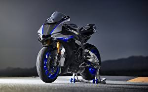 Pictures Yamaha 2018 YZF R1M