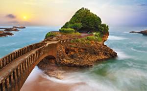 Bilder Brücken Meer Frankreich Felsen Biarritz