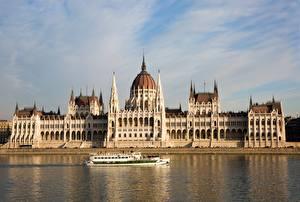 Tapety na pulpit Budapeszt Węgry Rzeki Statki rzeczne Danube