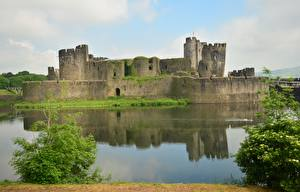 Images Castles Pond Ruins United Kingdom Wales, Cardiff, Castle Caerphilly