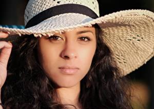 Hintergrundbilder Gesicht Starren Brünette Der Hut Mädchens